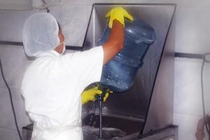 Pré-lavagem - segunda etapa | Água Mineral Lucema